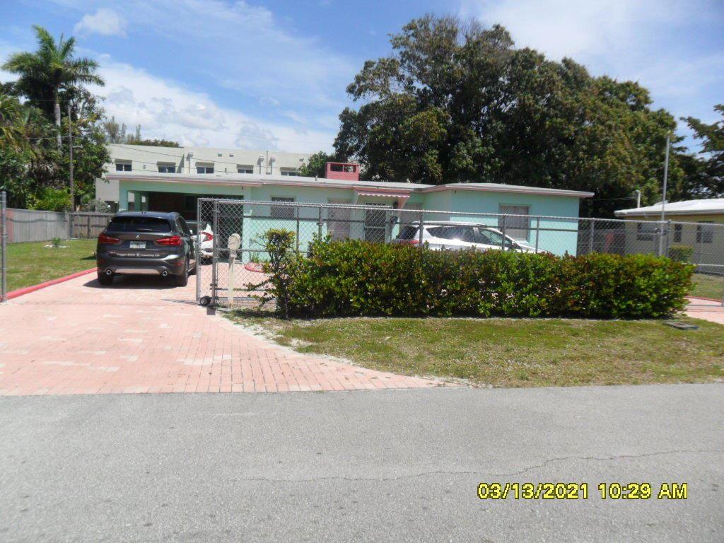 Photo of 1113 NE 16th Street, Fort Lauderdale, FL 33304 (MLS # RX-10706907)