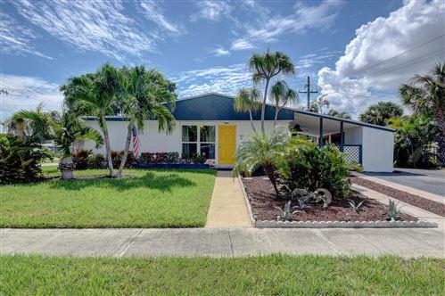 Photo of 1402 W Pine Street, Lantana, FL 33462 (MLS # RX-10748908)