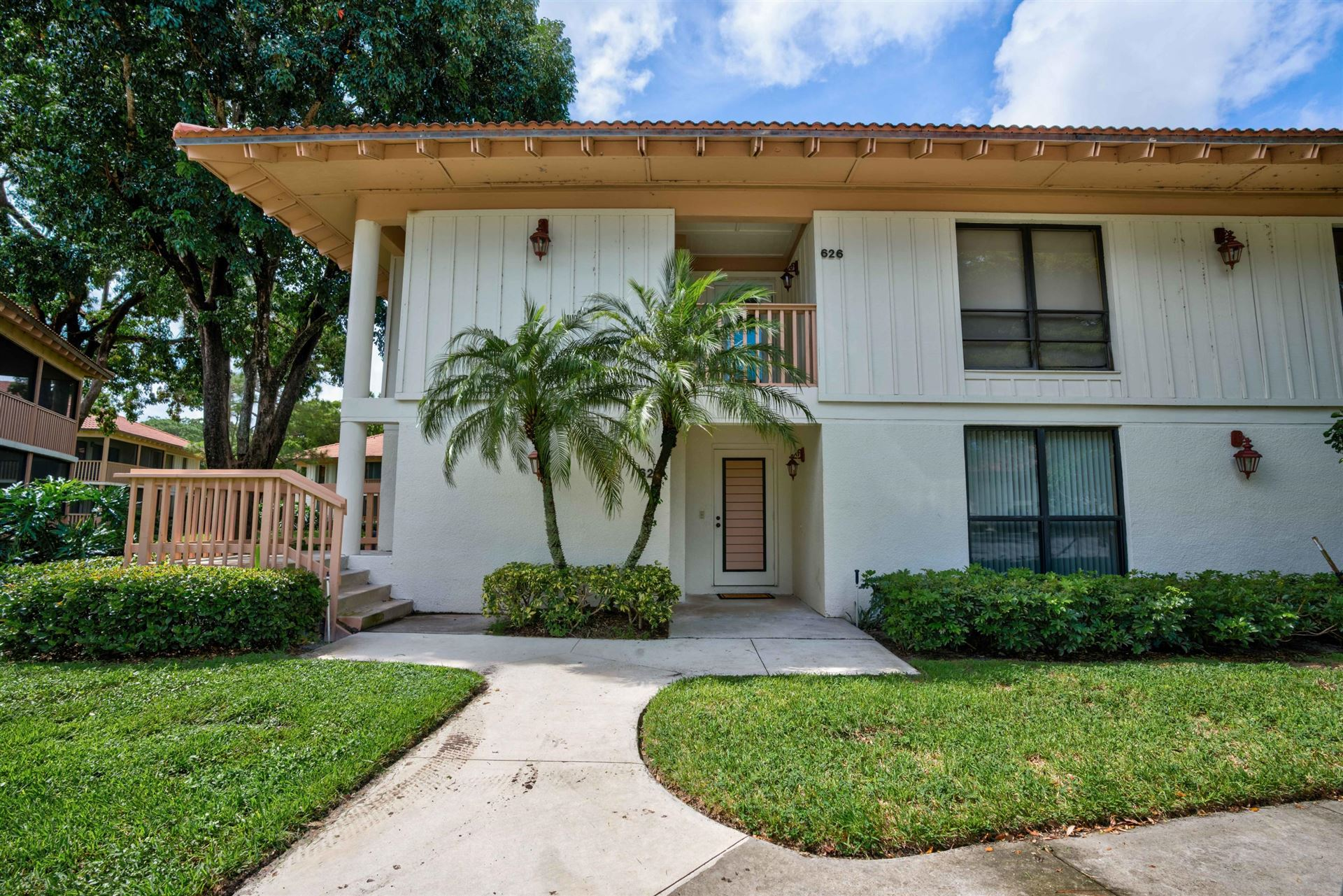 Photo of 622 Brackenwood Cove, Palm Beach Gardens, FL 33418 (MLS # RX-10663908)