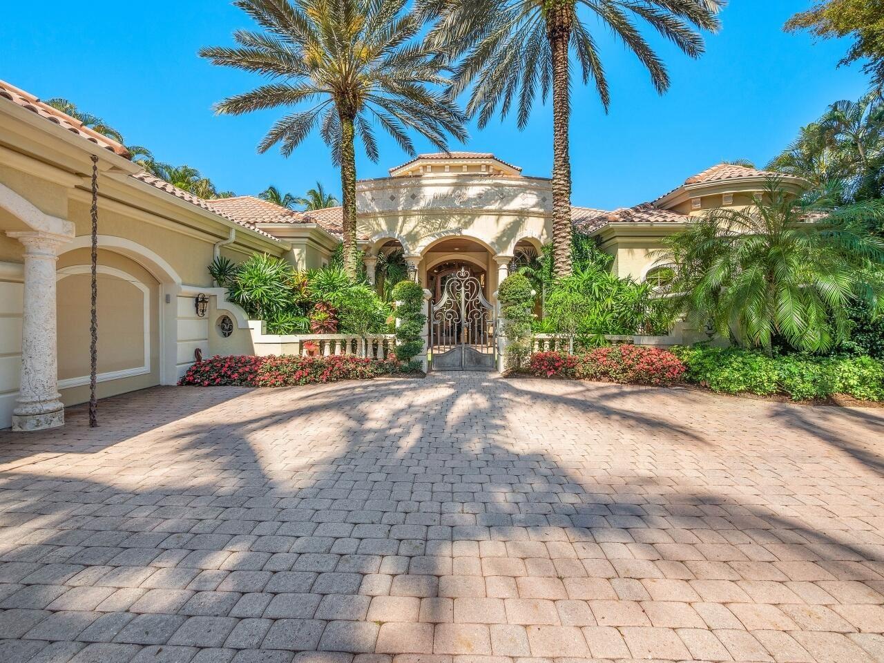 Photo of 29 Saint Thomas Drive, Palm Beach Gardens, FL 33418 (MLS # RX-10706908)