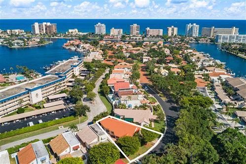 Photo of 309 Pelican Way, Delray Beach, FL 33483 (MLS # RX-10619913)