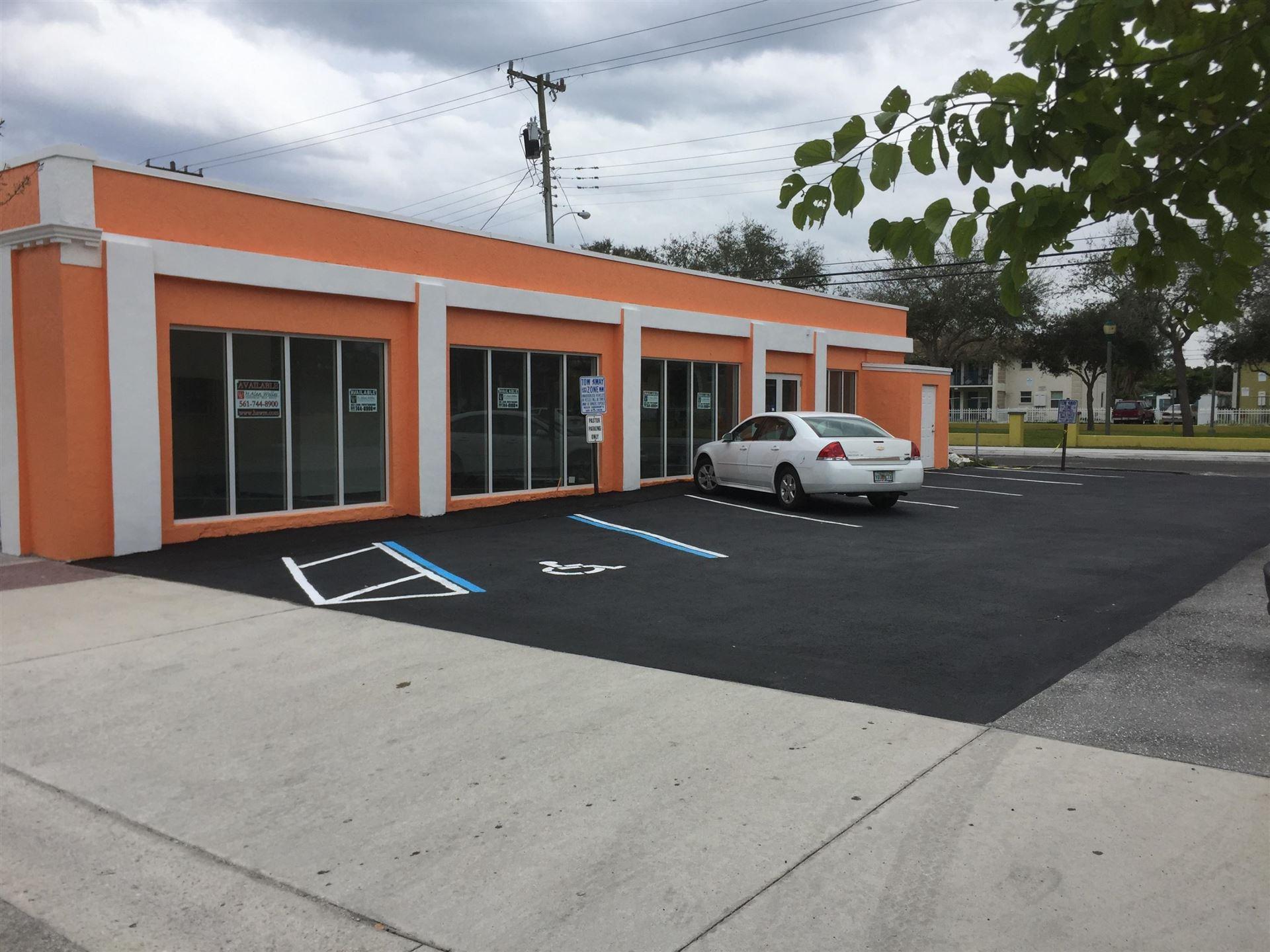 Photo of 526 Northwood Road, West Palm Beach, FL 33407 (MLS # RX-10627914)