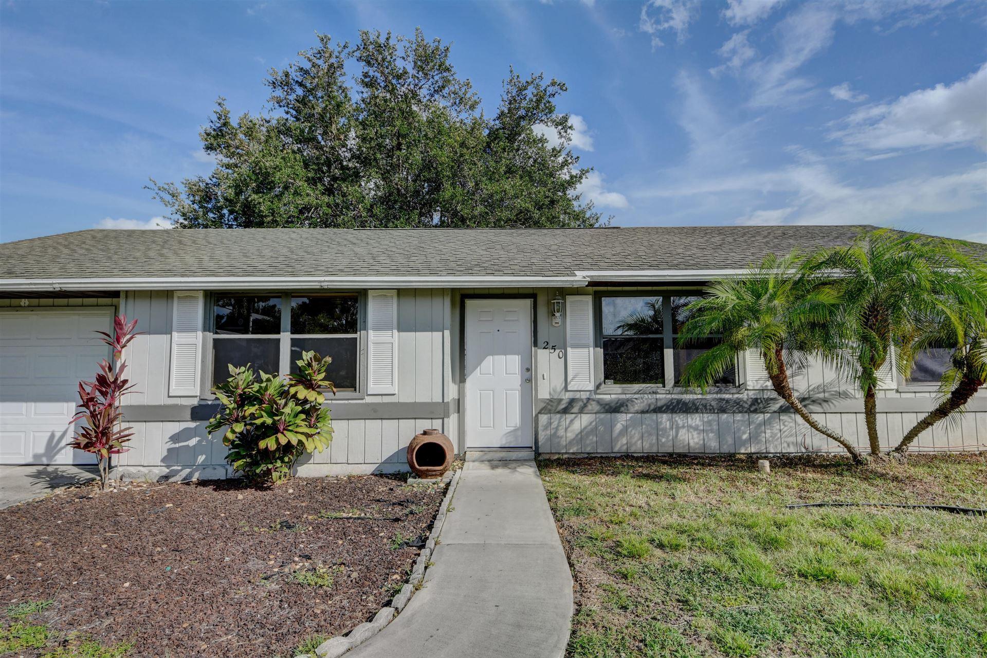 250 SW Chelsea Terrace, Port Saint Lucie, FL 34984 - #: RX-10732915