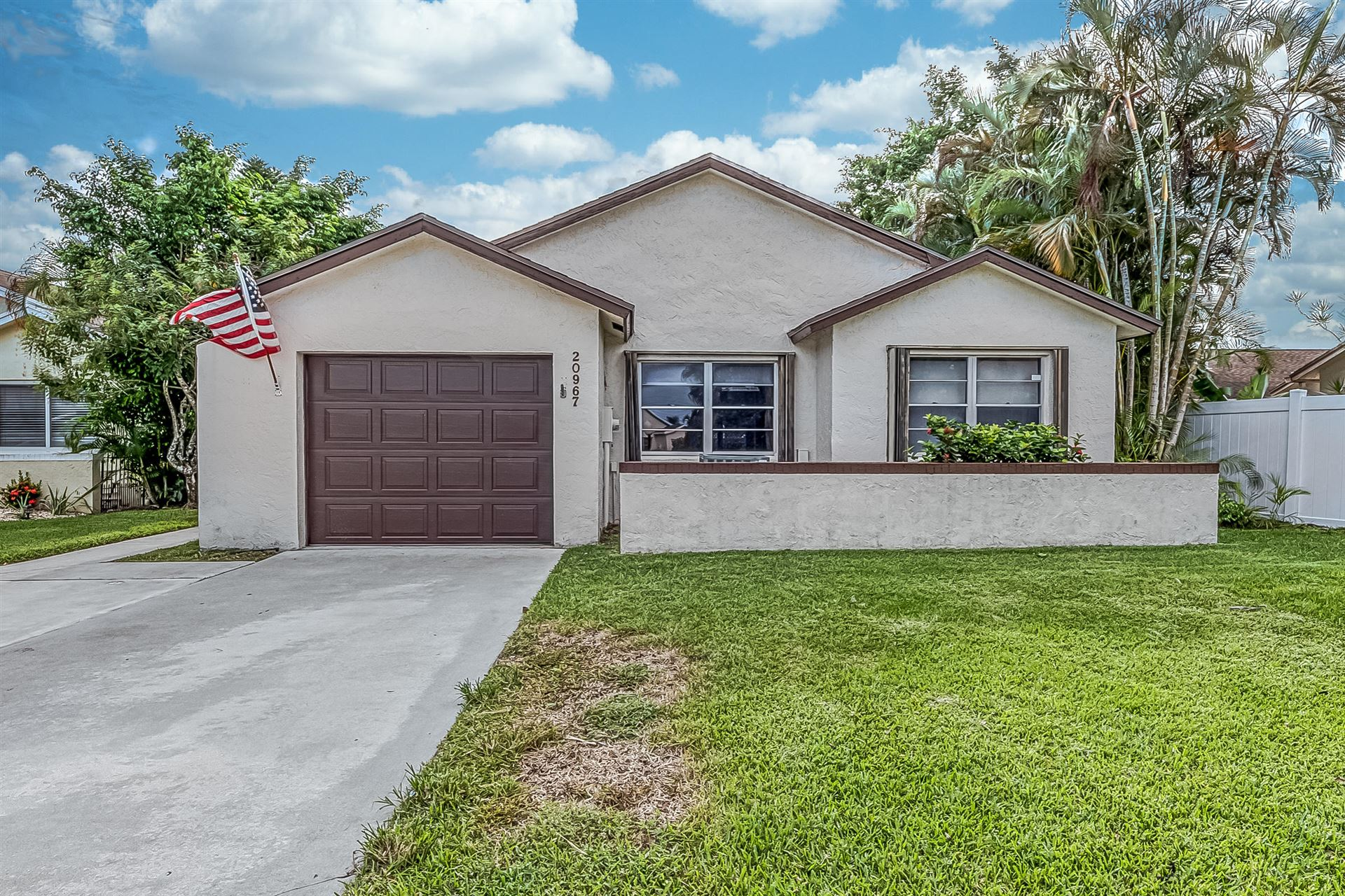 Photo of 20967 Springs Terrace, Boca Raton, FL 33428 (MLS # RX-10657916)