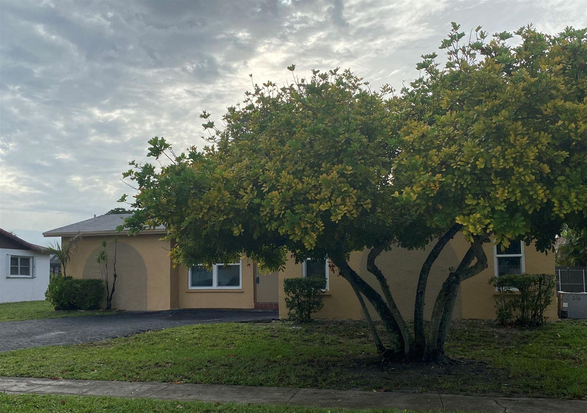 1111 NW 93rd Terrace, Pembroke Pines, FL 33024 - #: RX-10724916