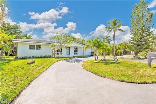 Photo of 801 SE 9th Avenue, Deerfield Beach, FL 33441 (MLS # RX-10745917)