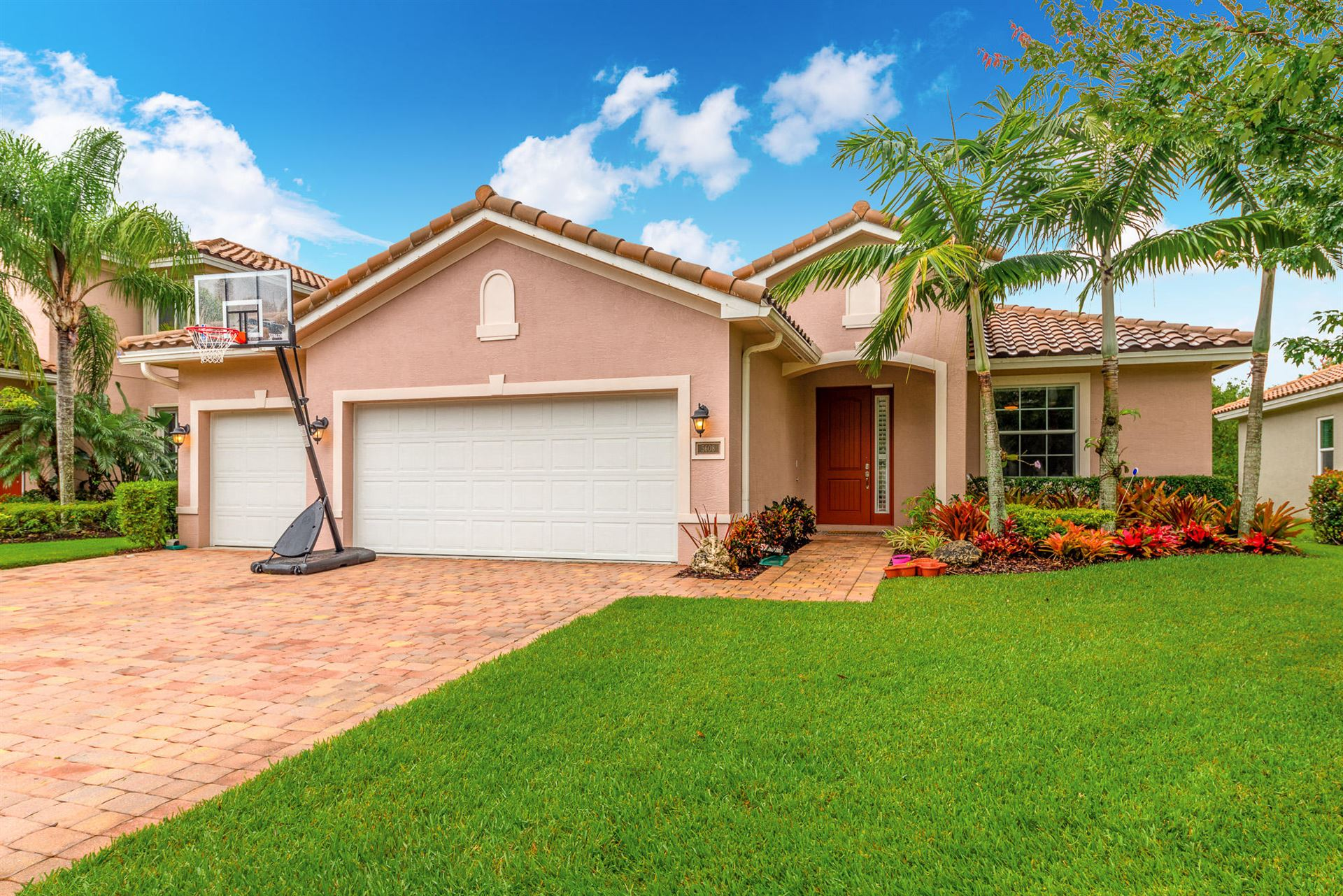 Photo of 5608 SW Longspur Lane, Palm City, FL 34990 (MLS # RX-10633917)