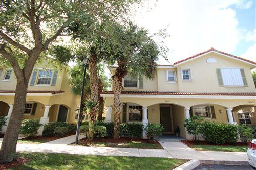 Photo of 1412 W Wickham Circle #C, Delray Beach, FL 33445 (MLS # RX-10670921)