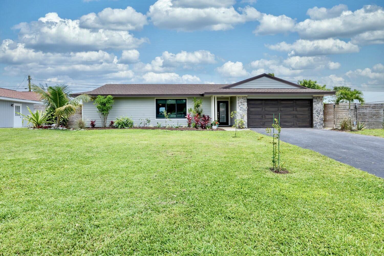 Photo for 19930 Gardenia Drive, Tequesta, FL 33469 (MLS # RX-10712922)
