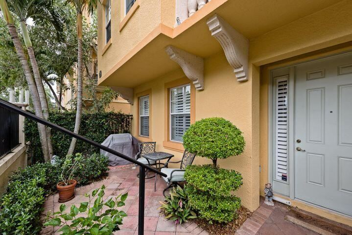 Photo of 11764 Valencia Gardens Avenue, Palm Beach Gardens, FL 33410 (MLS # RX-10743923)
