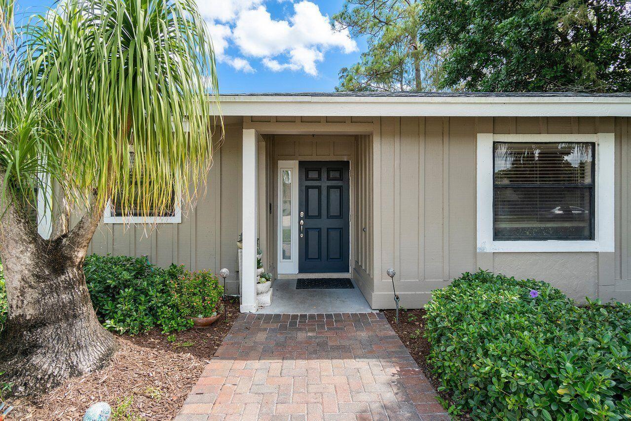 Photo of 1165 Raintree Lane, Wellington, FL 33414 (MLS # RX-10751926)