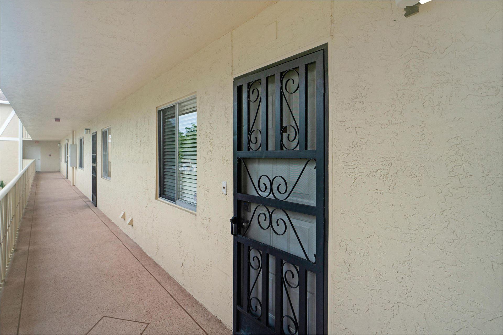 Photo of 7192 Huntington Lane #304, Delray Beach, FL 33446 (MLS # RX-10732929)