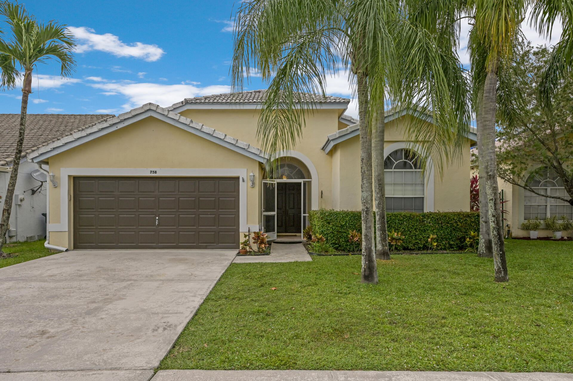 758 Lake Wellington Drive, Wellington, FL 33414 - #: RX-10711930