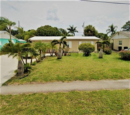 Photo of 503 N Pennock Lane, Jupiter, FL 33458 (MLS # RX-10638933)