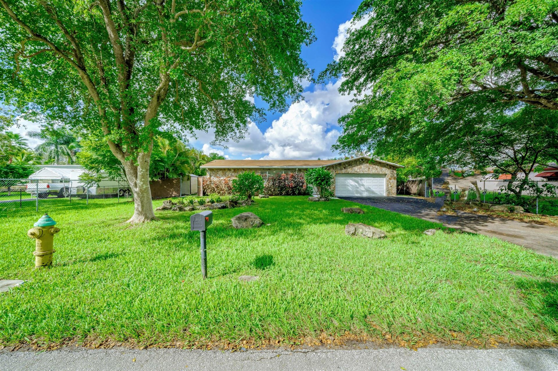 Photo of 4401 SW 74th Avenue, Davie, FL 33314 (MLS # RX-10582933)