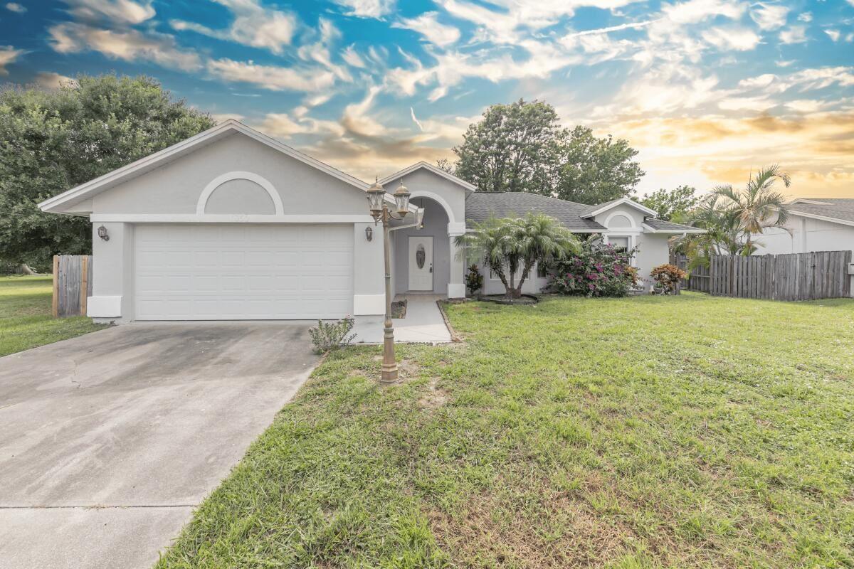 1050 SE Euclid Lane, Port Saint Lucie, FL 34983 - MLS#: RX-10740933