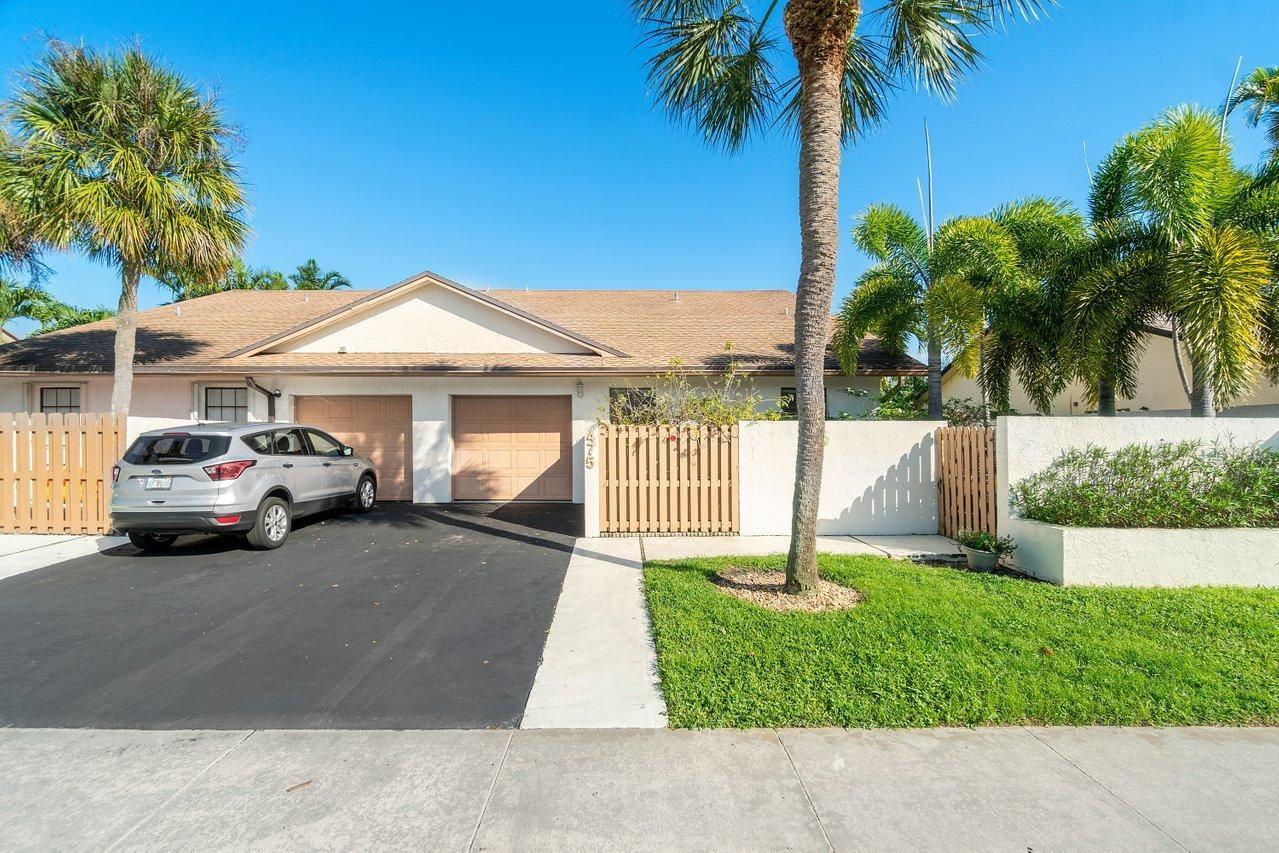 Photo of 475 SW 28th Avenue, Delray Beach, FL 33445 (MLS # RX-10694935)
