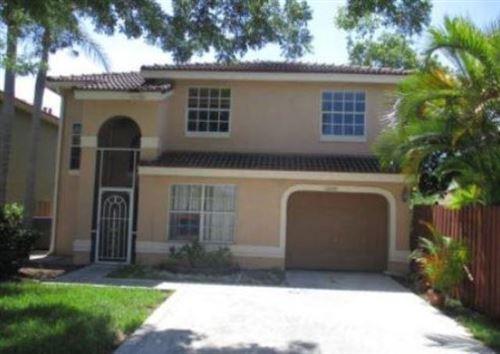 Photo of 10330 Breezeway Place, Boca Raton, FL 33428 (MLS # RX-10621936)