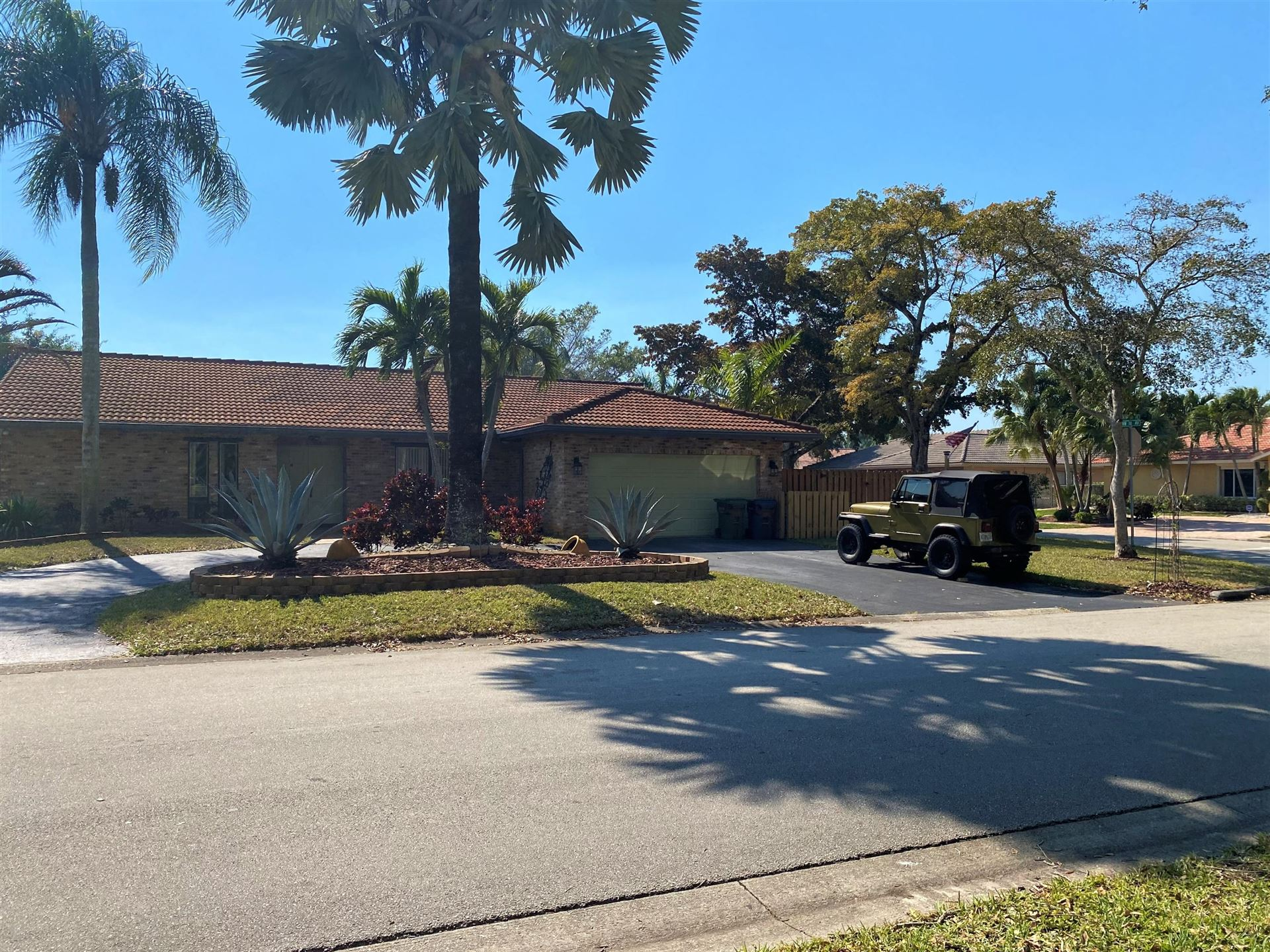 Photo of 11088 NW 17th Place, Coral Springs, FL 33071 (MLS # RX-10694936)