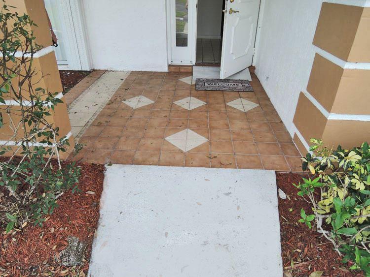 Photo of 1019 Pheasant Run Drive #Apt D, Fort Pierce, FL 34982 (MLS # RX-10702936)