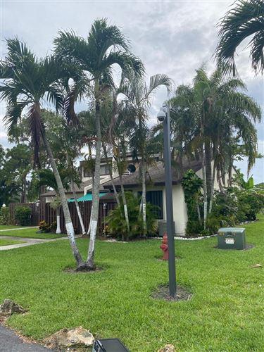 Foto de inmueble con direccion 1895 Abbey Road West Palm Beach FL 33415 con MLS RX-10631947
