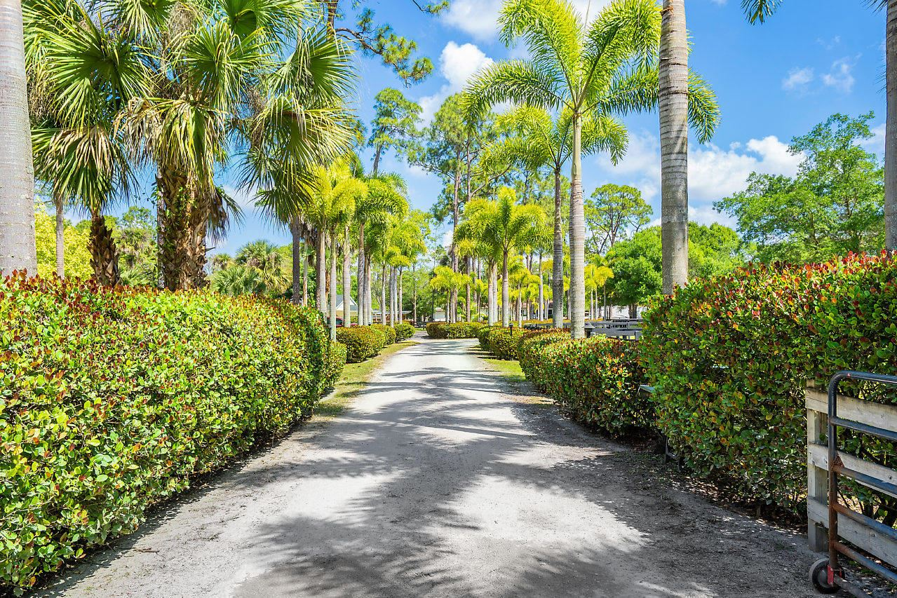 Xxxxx E Citrus Drive, Loxahatchee Groves, FL 33470 - #: RX-10620947