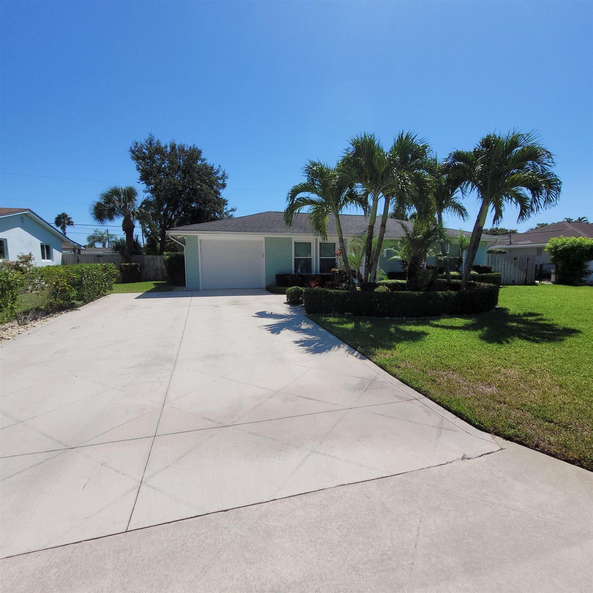Photo of 1601 Lance Road, Jupiter, FL 33469 (MLS # RX-10747948)