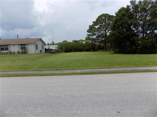 Photo of 542 Lake Drive, Sebastian, FL 32958 (MLS # RX-10638950)