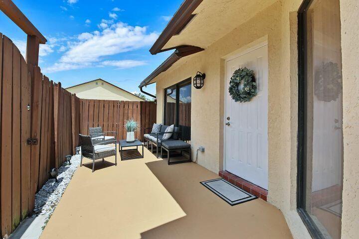 453 Springdale Circle, Palm Springs, FL 33461 - #: RX-10725951