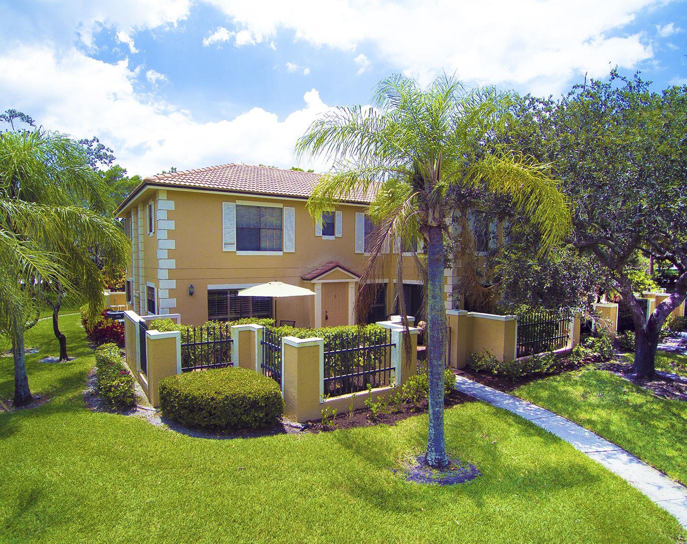 Photo of 377 Prestwick Lane #2, Palm Beach Gardens, FL 33418 (MLS # RX-10639953)