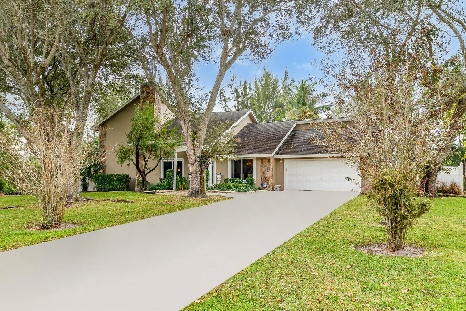 965 Whippoorwill Row, West Palm Beach, FL 33411 - #: RX-10685954