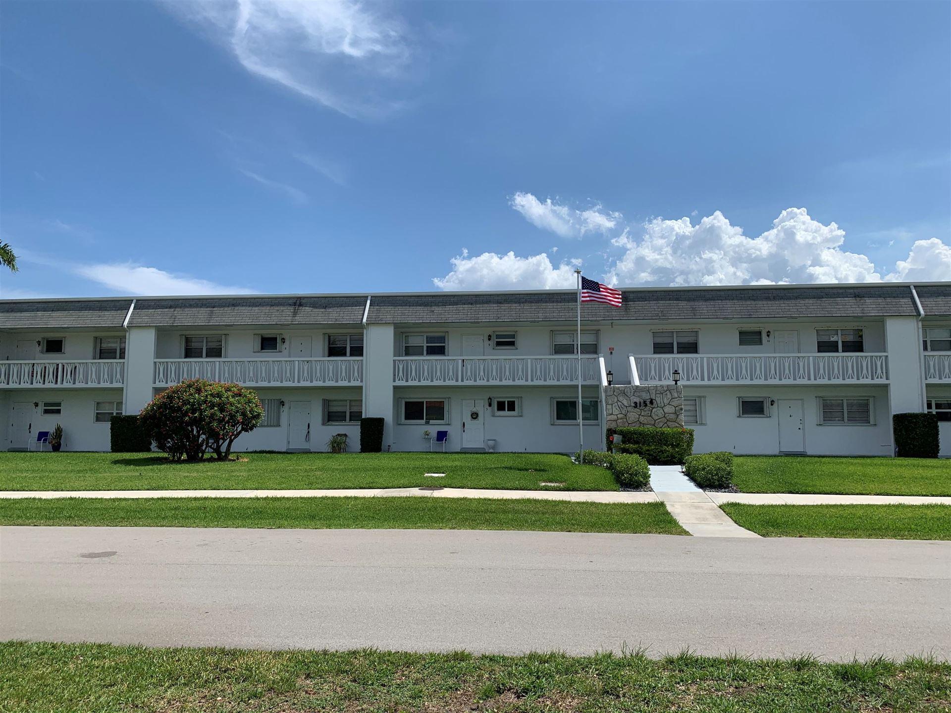 Photo of 3154 Meridian Way S #8, Palm Beach Gardens, FL 33410 (MLS # RX-10715957)