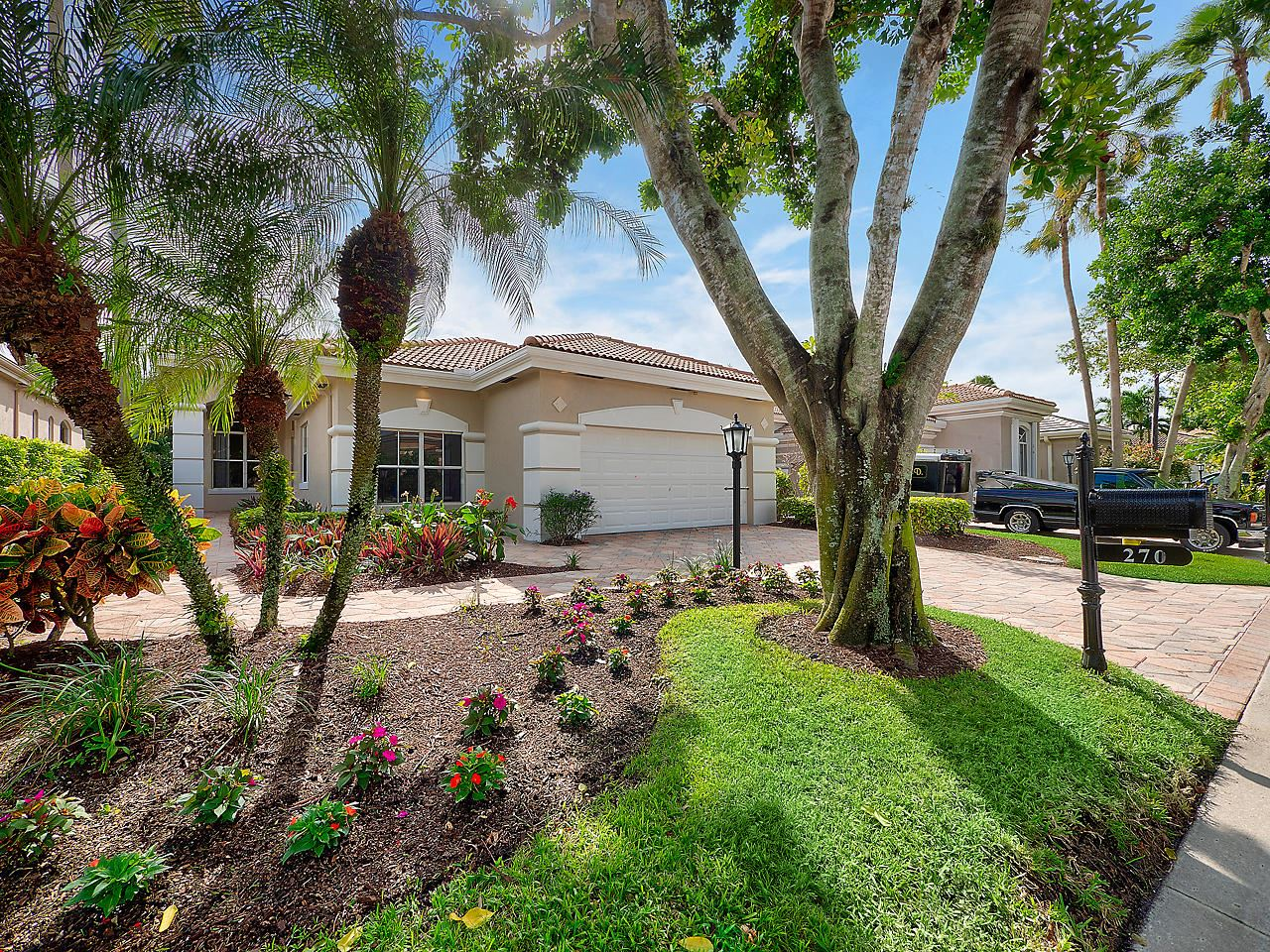 Photo of 270 Isle Way, Palm Beach Gardens, FL 33418 (MLS # RX-10670959)