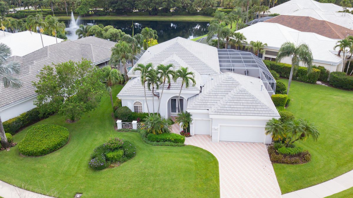 Photo of 112 Emerald Key Lane, Palm Beach Gardens, FL 33418 (MLS # RX-10643960)