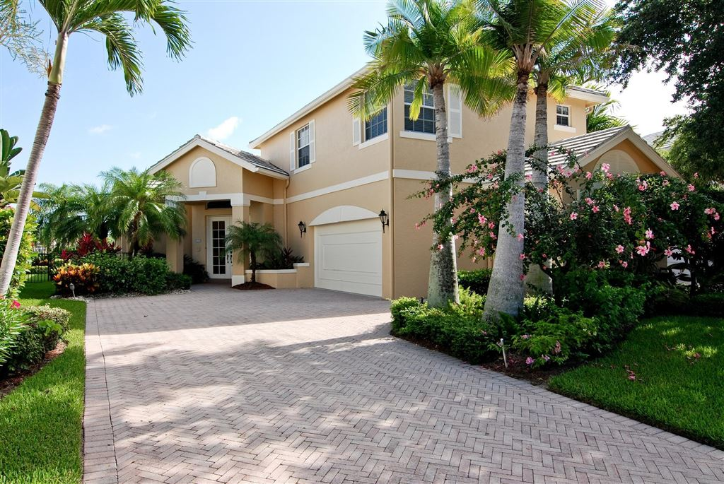 Photo of 113 Victoria Bay Court, Palm Beach Gardens, FL 33418 (MLS # RX-10534961)