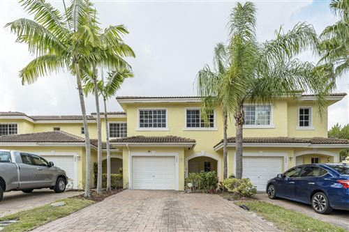 Photo of 1048 Imperial Lake Road, West Palm Beach, FL 33413 (MLS # RX-10604963)