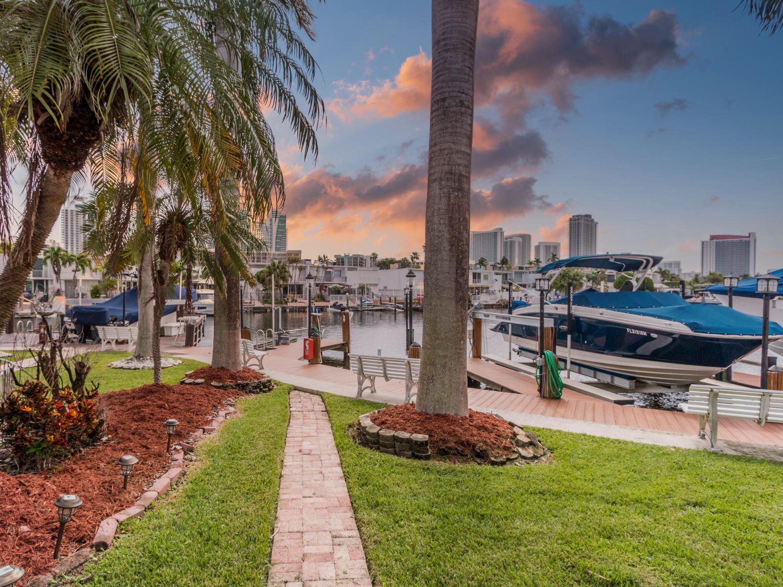 814 NE 25 Avenue #64, Hallandale Beach, FL 33009 - #: RX-10660963
