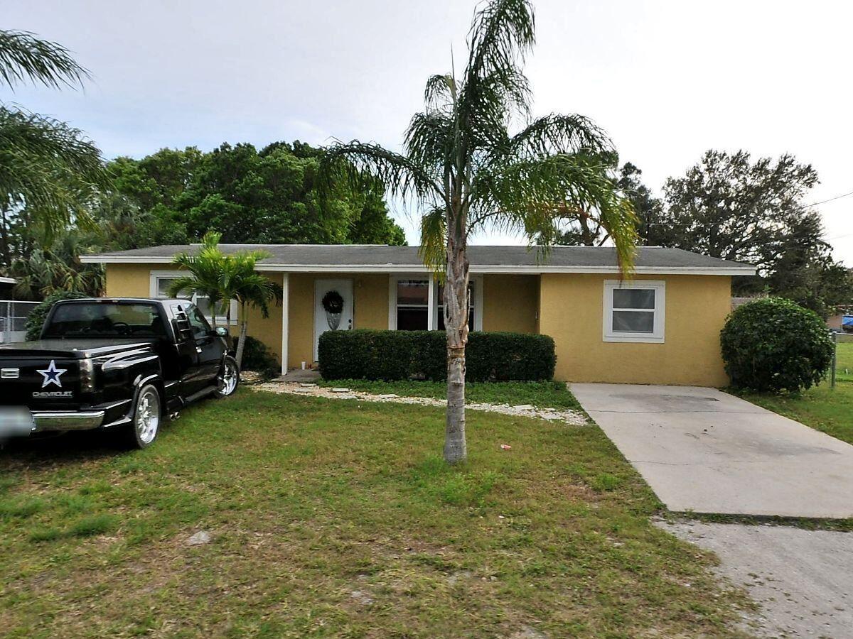 Photo of 117 Garden Avenue, Fort Pierce, FL 34982 (MLS # RX-10746963)