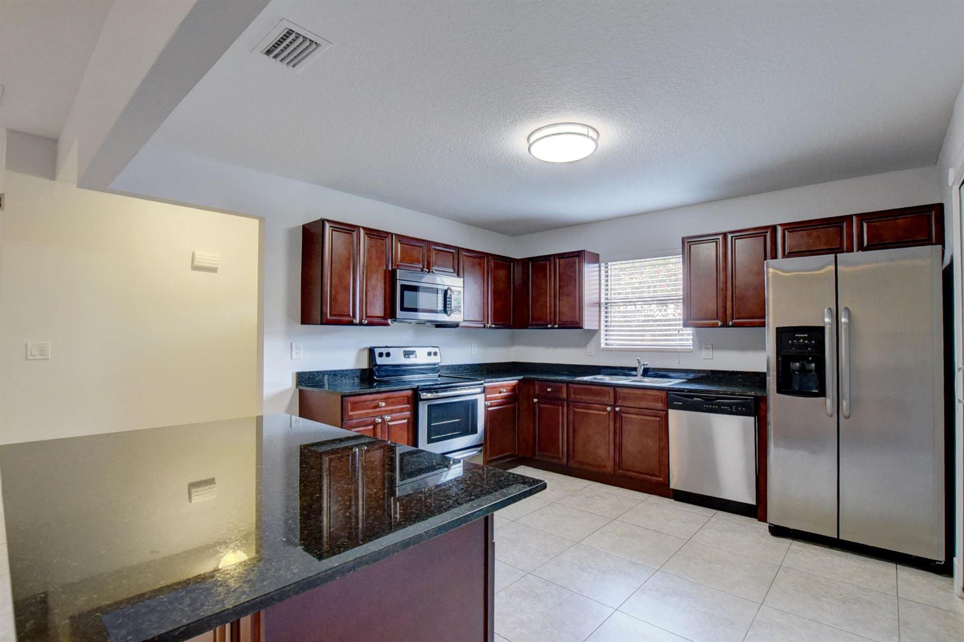 352 SW 27th Avenue, Delray Beach, FL 33445 - #: RX-10626965