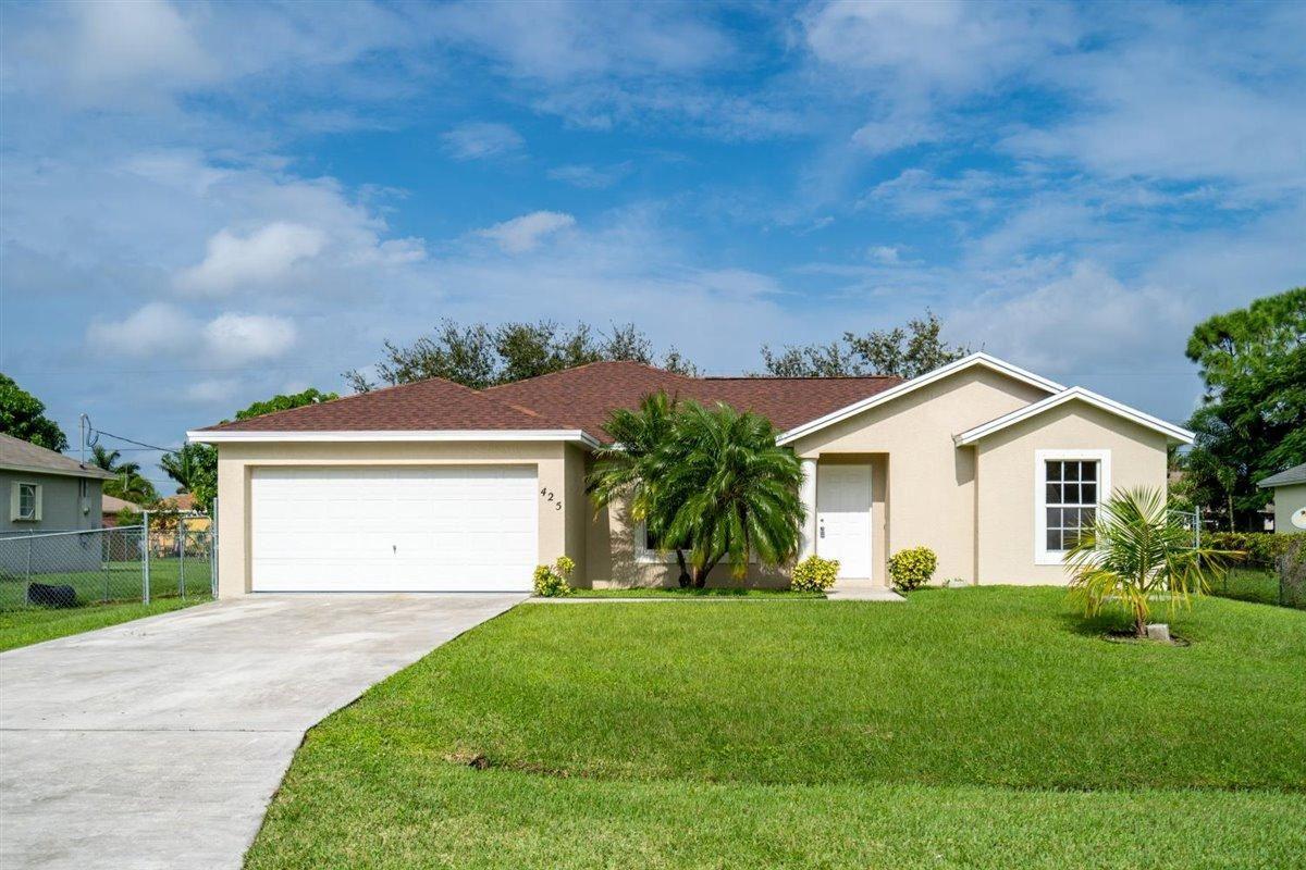 425 SW Meadow Terrace, Port Saint Lucie, FL 34953 - #: RX-10672965