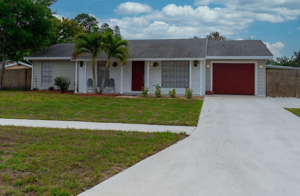 393 NE Camelot Drive NW, Port Saint Lucie, FL 34983 - #: RX-10703965
