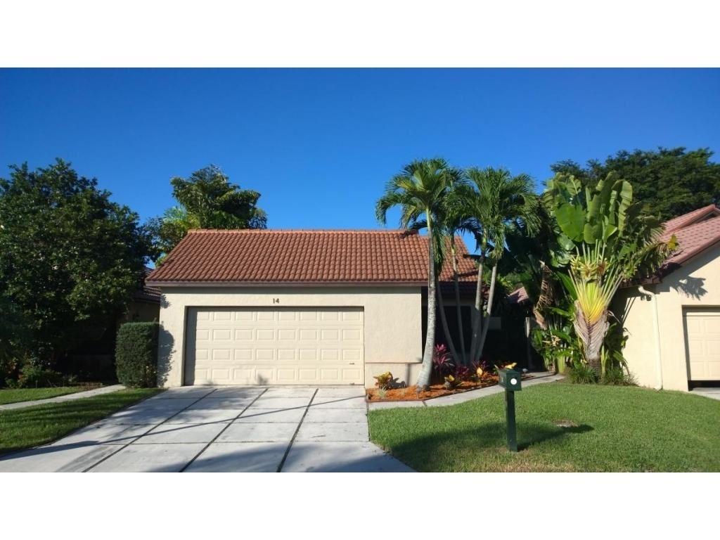 Photo of 14 Ironwood Way N, Palm Beach Gardens, FL 33418 (MLS # RX-10636966)
