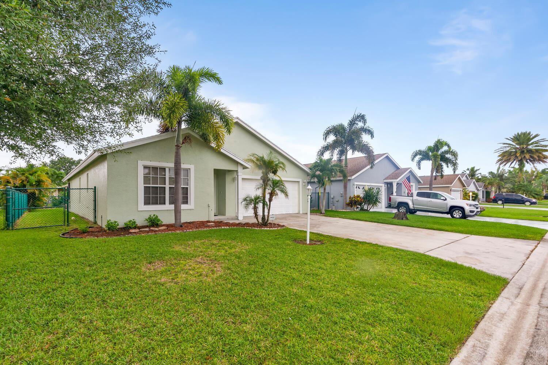 Photo of 2537 SW Riviera Road SW, Stuart, FL 34997 (MLS # RX-10734966)