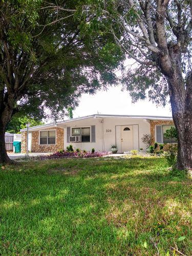 Photo of 326 Glen Arbor Terrace, Boynton Beach, FL 33426 (MLS # RX-10635969)