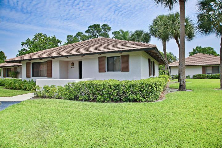 Photo of 835 Club Drive, Palm Beach Gardens, FL 33418 (MLS # RX-10706970)