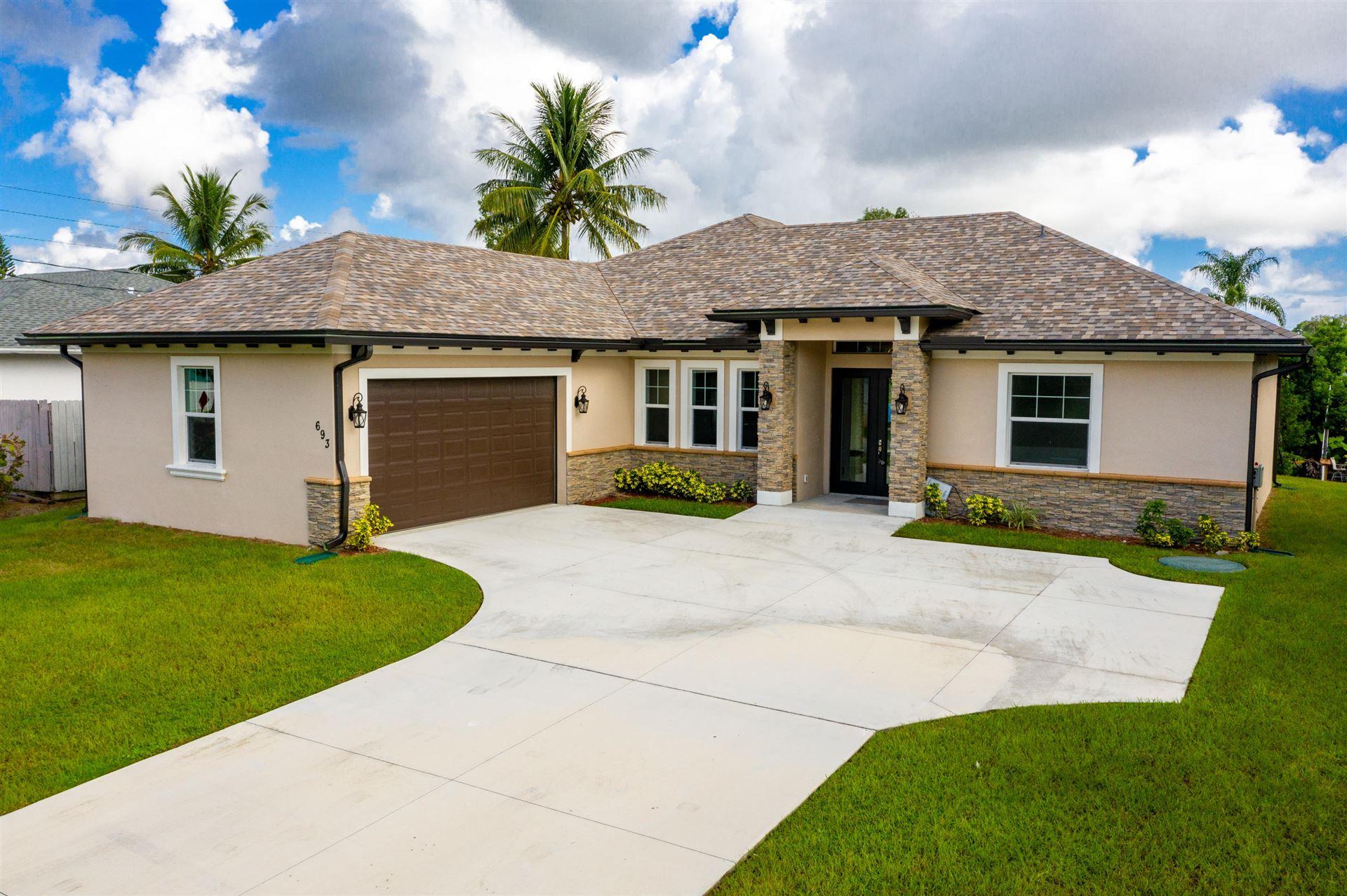 693 SE Whitmore Drive, Port Saint Lucie, FL 34984 - #: RX-10653974
