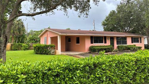 Photo of 15100 Jamaica Drive, Palm Beach Gardens, FL 33410 (MLS # RX-10706976)