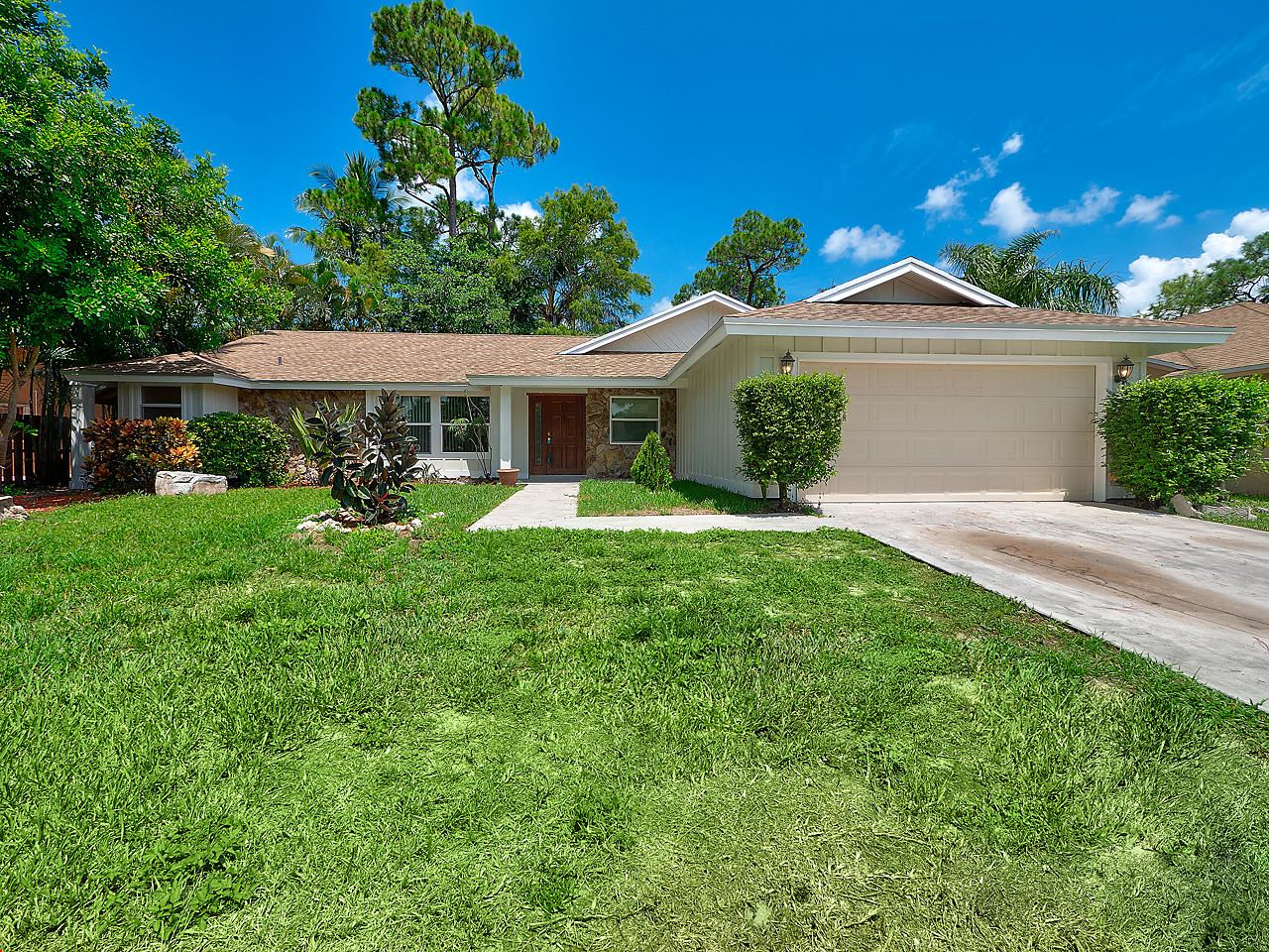 913 Lemongrass Lane, Wellington, FL 33414 - #: RX-10636976