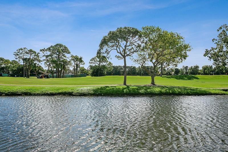 302 Resort Lane, Palm Beach Gardens, FL 33418 - #: RX-10602977