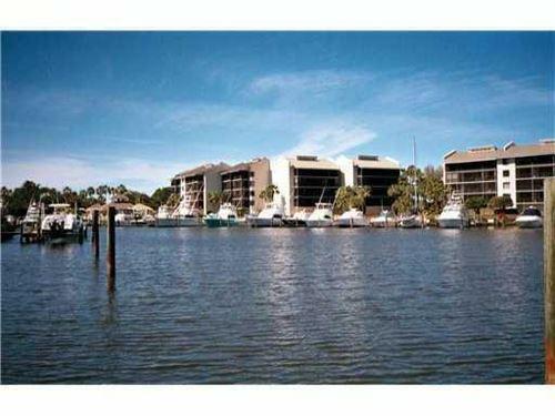 Photo of 16910 Bay Street #E 405, Jupiter, FL 33477 (MLS # RX-10744979)